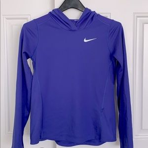 💕💕Youth - Nike dry fit long sleeve hooded shirt